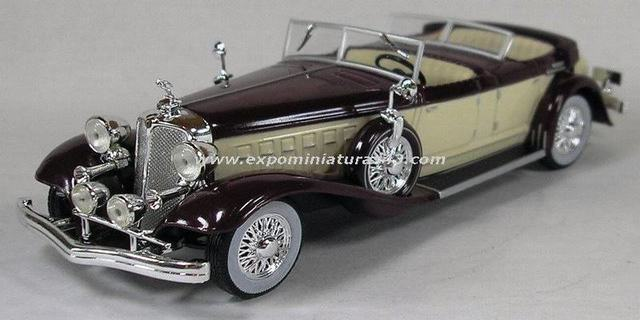 Chrysler Imperial Le Baron 1933 1/43