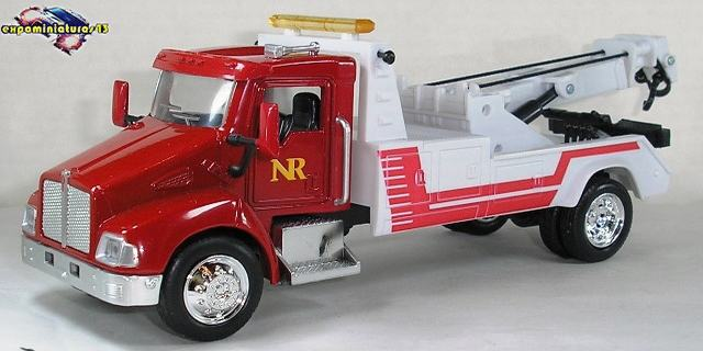 Kenworth T300 Class 6 Towing 1/43