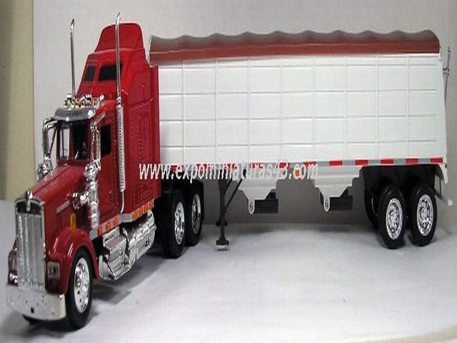 Kenworth W900 Extended Day Cab